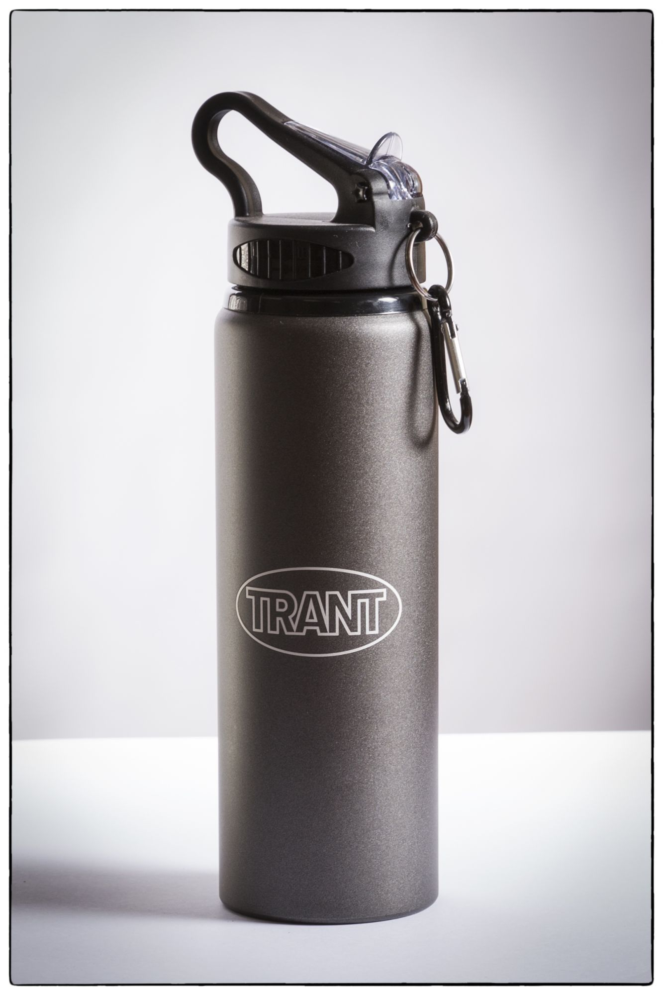 Trant water bottle  border